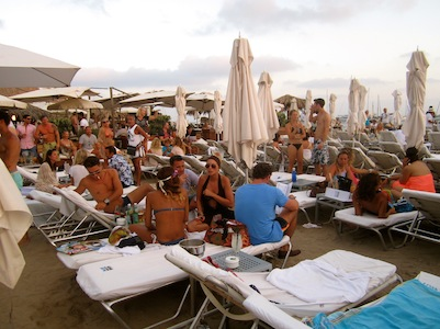 Come Ibiza - Blue Marlin tumbonas blog